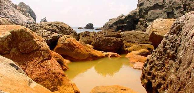 画像: 式根島の海中温泉