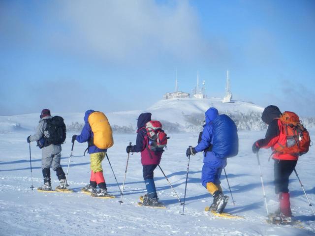 画像: 美ヶ原でのスノーシューハイキング
