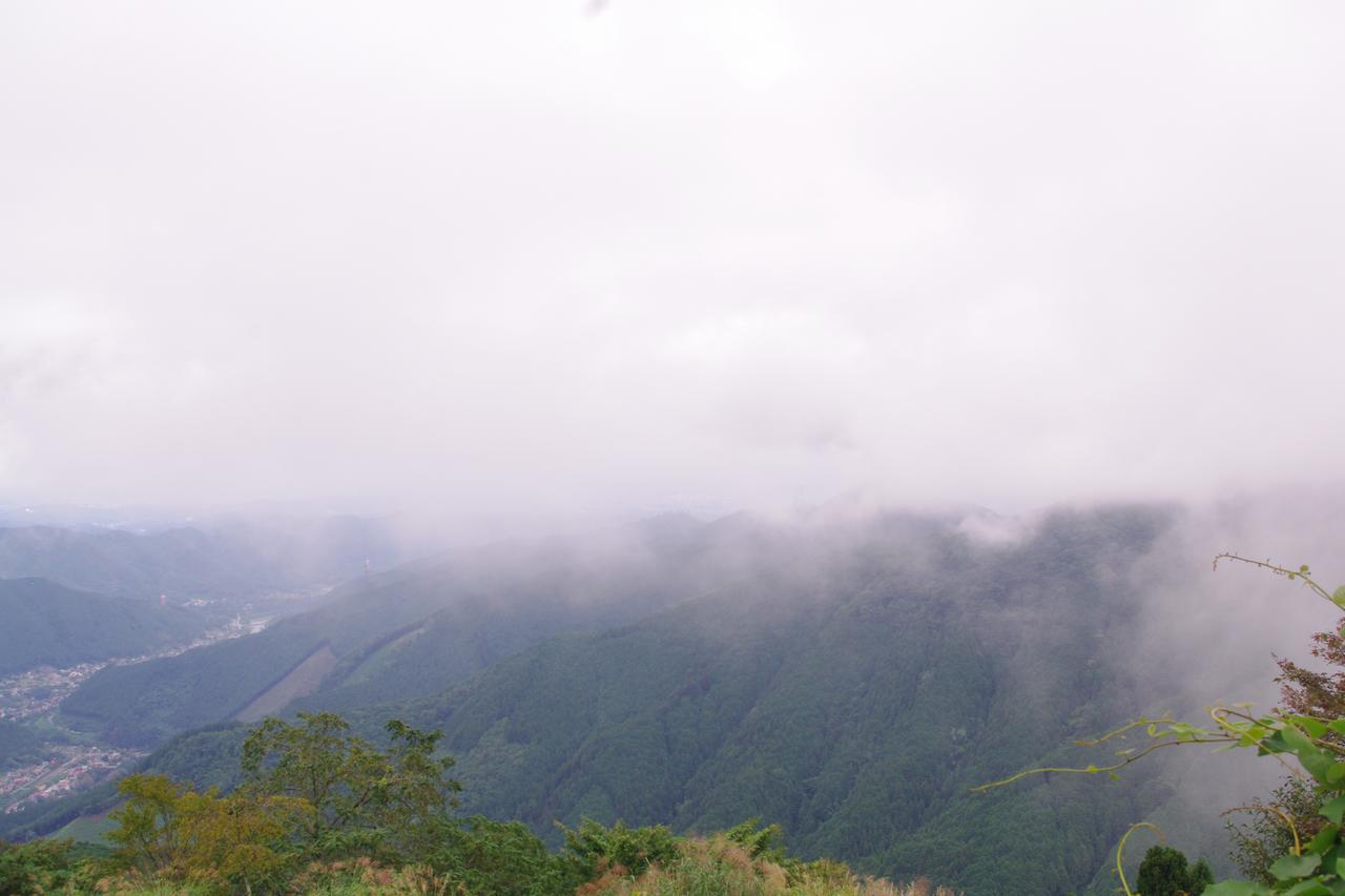 画像: 曇ってましたが、麓まできちんと見えました!雲の中にいるみたいで、なんだか不思議な感覚です。
