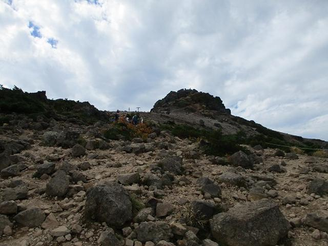 画像1: 【山旅会・登山ガイドこだわりツアー】岡田ガイドからの便り・安達太良山・栗駒山ツアーにいってまいりました!(その2)