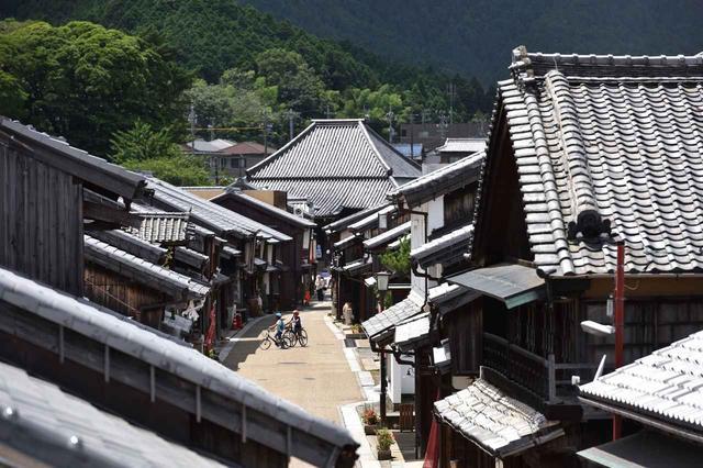 画像: 往時の面影を色濃く留める関の街並