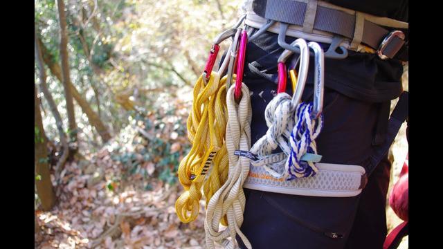 画像: 【山あるきへの招待状】登山ガイドによるスリングの種類の解説 www.youtube.com