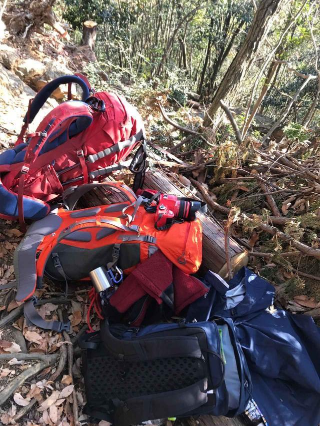 画像1: 12月:日和田山で本格的な岩登り体験と川原であったか手づくり鍋で忘年会★