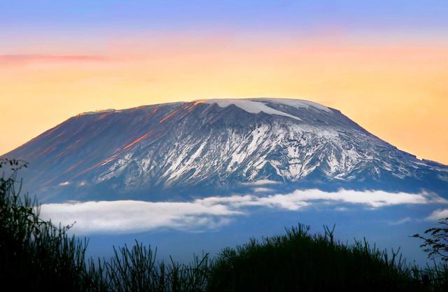 画像: アフリカ最高峰・キリマンジャロ