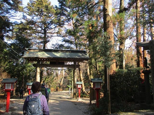 画像8: 先日12月21日に岡田ガイドのコースで 「高尾山」 へ行ってきました!