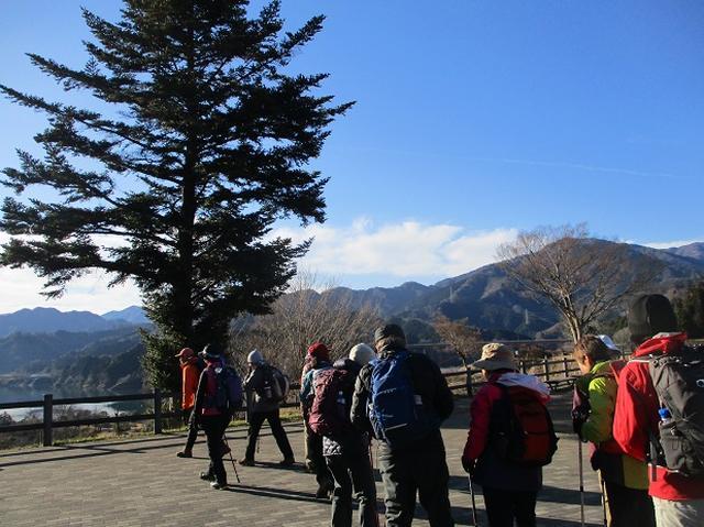 画像1: 11日に岡田ガイドのコースで、 丹沢南山 へいってきました♪