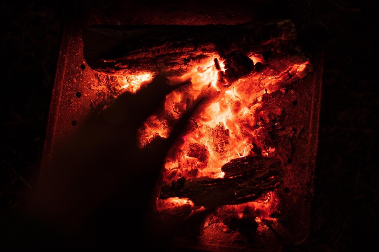 画像: 揺らめく炎を見ていると心もやすらぎます(イメージ)