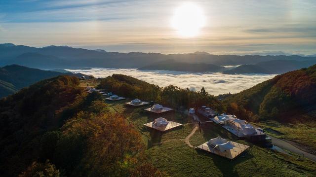 画像: 力強い朝日と雲海(イメージ/※雲海は天候状況により見られない場合があります)
