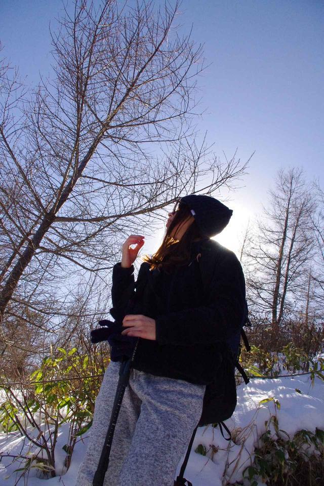 画像: 齋藤:登っている途中で暑くなったので手袋を外しました。 鷲尾:空気が乾燥しているので、こまめに水分を補給しましょう!