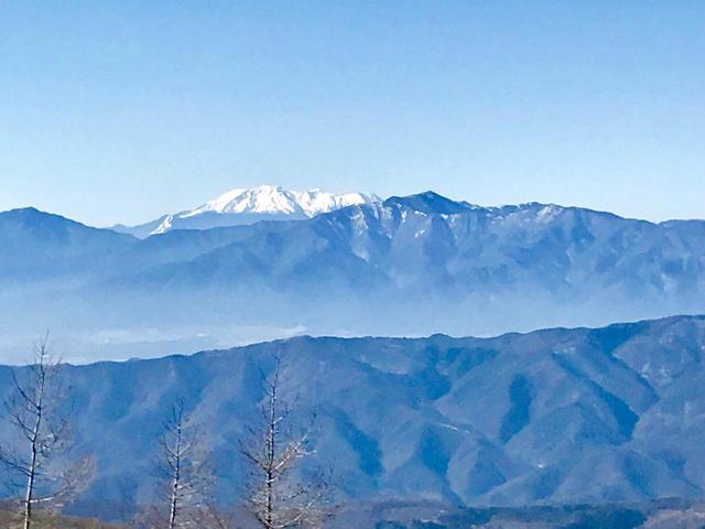 画像: 御嶽山(中央)