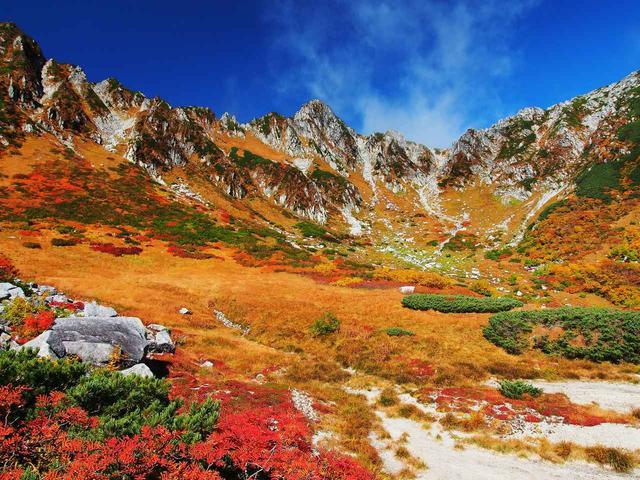 画像: 中央アルプス・宝剣岳の千畳敷カール