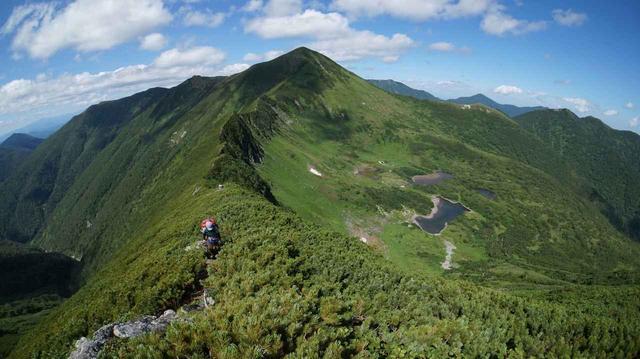 画像: 北海道・幌尻岳の七つ沼カール