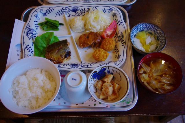画像2: 夕食(一例)