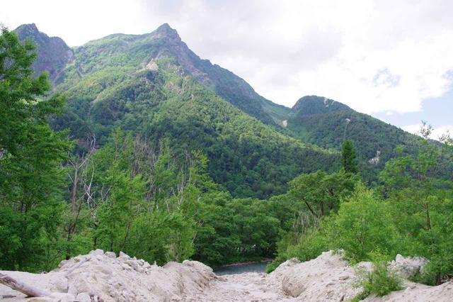 画像: 明神岳の岩峰