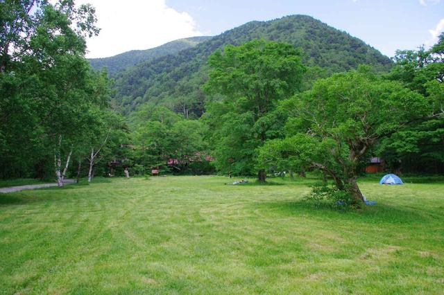 画像: 徳沢の草原