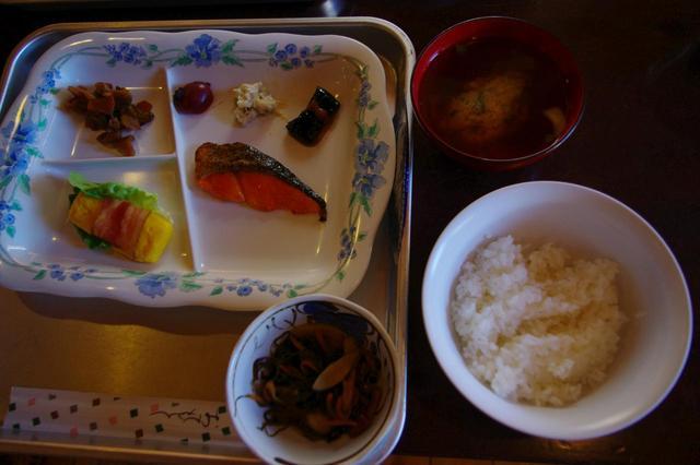 画像2: 朝食(一例)
