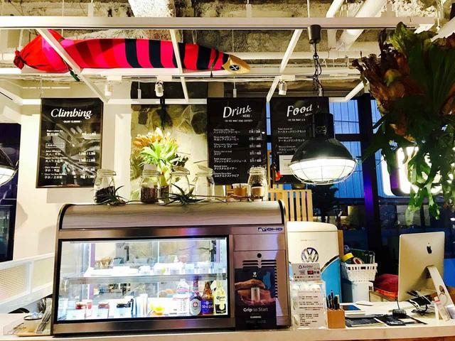 画像: カフェも常設されており、ドリンクやフードの注文も可能です♪