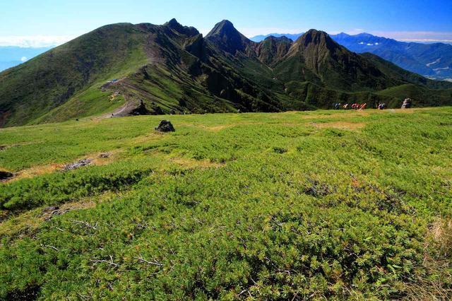 画像: 八ヶ岳 硫黄岳から望む赤岳はじめ南八ヶ岳の山々
