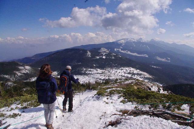 画像: 下山は八ヶ岳連峰を眺めながら。。