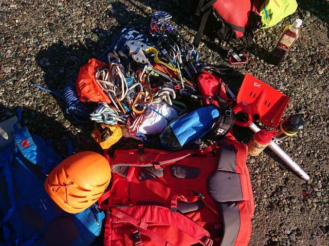 画像: 天野さん愛用のギア!クライマーならではの登攀具の種類と数に脱帽!