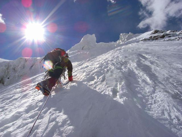 画像: アルパインスタイルのイメージ(※写真は2009年に登ったスパンティーク北西壁)