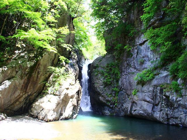 画像: 落差21mの男滝が景勝地として有名な名瀑一之釜(第1回)