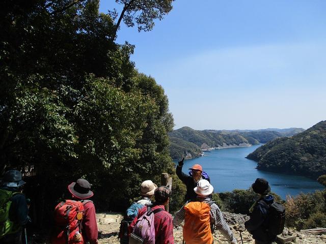 画像10: 対馬ツアー3日目は青空気持ち良い、 金田城山 へ行きました!