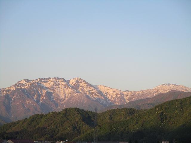 画像13: 5月8日・9日に岡田ガイドのコースで暑い暑い新潟の山へ行って来ました♪