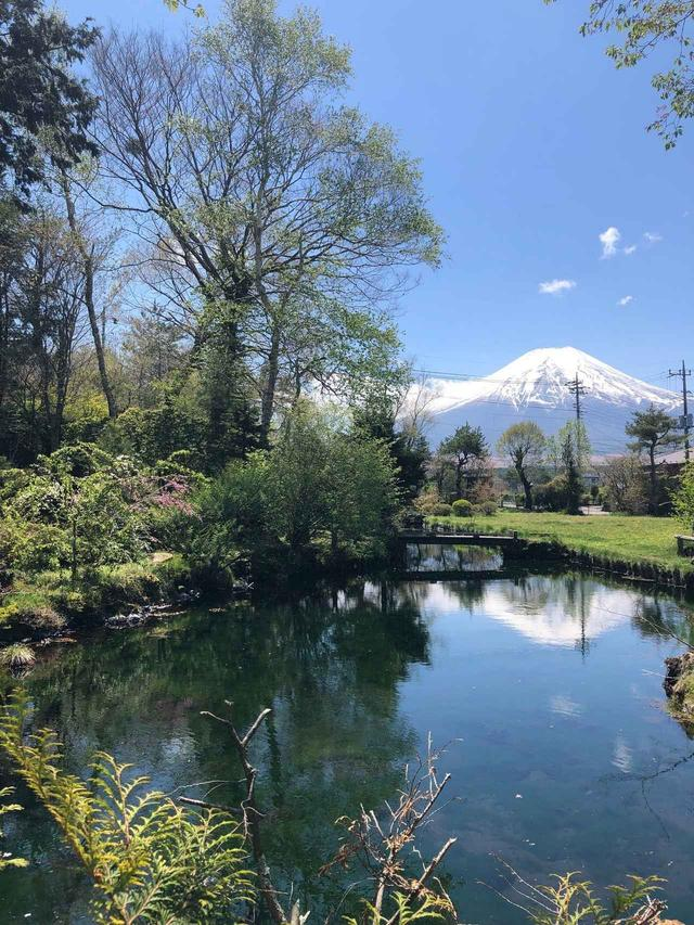 画像: 浅池からの「逆さ富士」