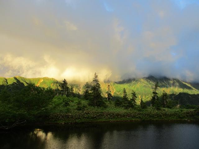 画像12: 8月13日から岡田ガイドのコースで 「ゆっくり歩く鏡平と弓折岳」 に行ってきました!