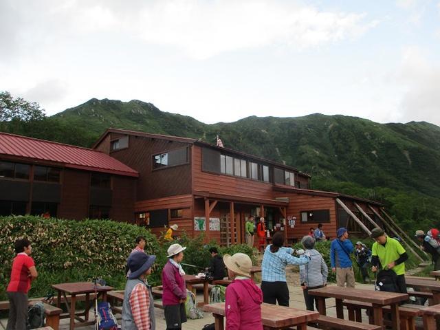 画像1: 8月13日から岡田ガイドのコースで 「ゆっくり歩く鏡平と弓折岳」 に行ってきました!