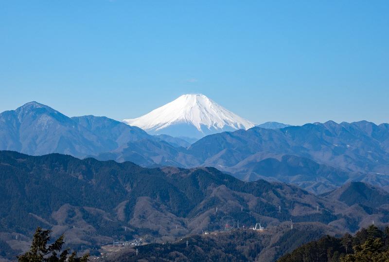 画像: <山旅会>『登山初級A 展望のよい2つのピークをつなぐ 城山から景信山 日帰り』【現地集合】|クラブツーリズム