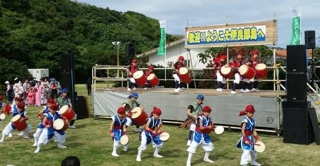 画像: 迫力満点のエイサー!沖縄の風を感じることができます。