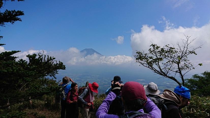 画像5: 9月19日に佐藤威行ガイドのコースで、毛無山塊にたたずむ 「雨ケ岳」 へ行って来ました♪