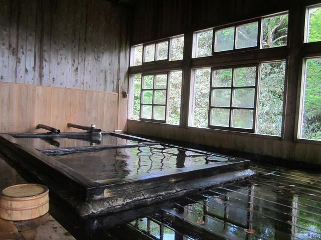 画像9: 10月10日から山旅会 「那須茶臼岳と姥ヶ平」 ツアーにいってきました!