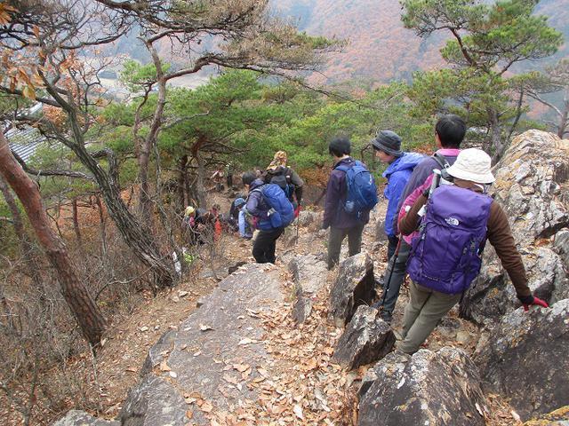 画像9: 12月10日に山旅会 深高山から石尊山 ツアーに行ってきました!