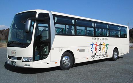画像: バスツアーは移動も楽々♪不要な荷物をバスに置いていけることも多いです