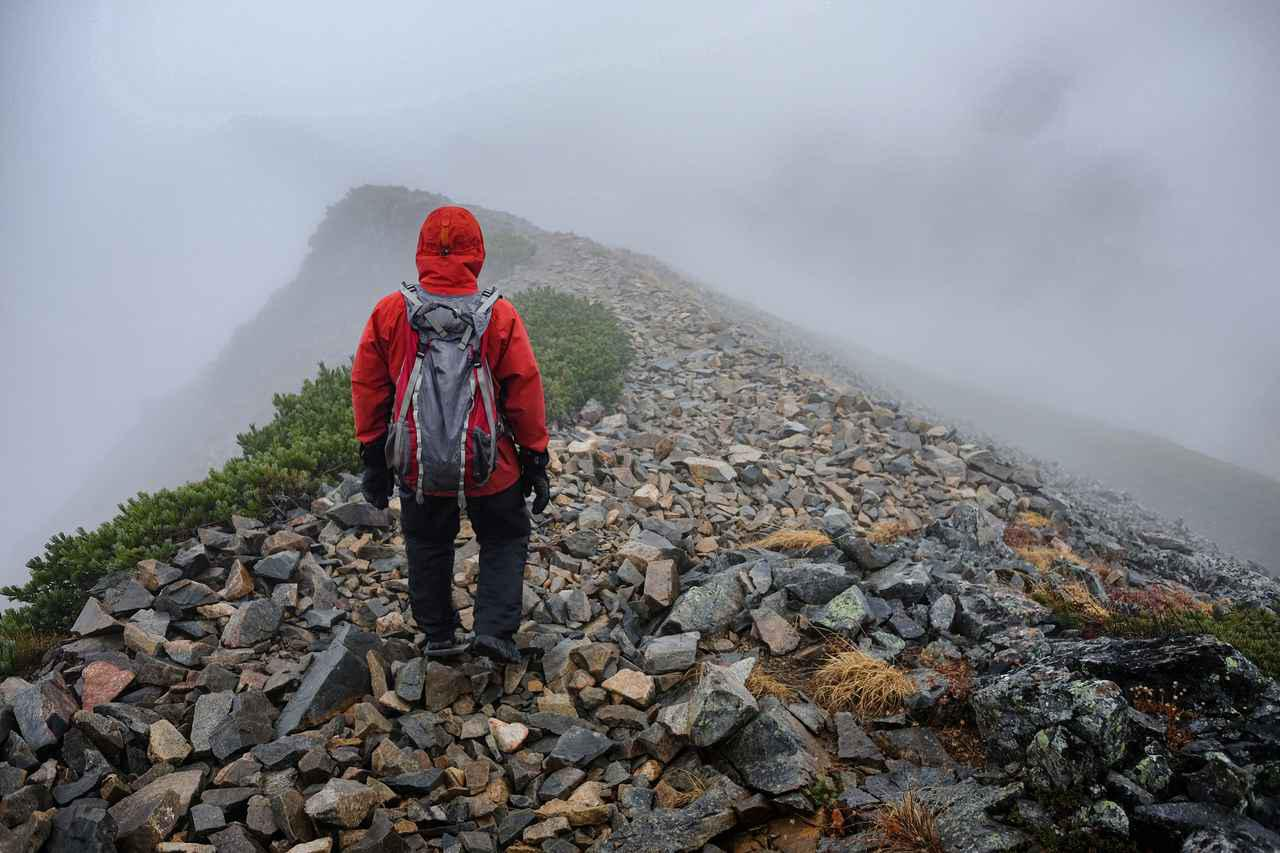 画像: 登山用雨具・レインウェアの選び方を一から解説【初心者向け】