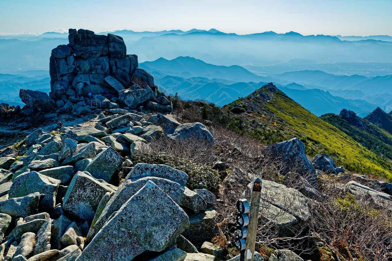 画像: 山頂の五丈岩