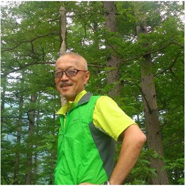 画像: 白田 剛 ガイド 山旅スクールの親父的ガイド。18歳の頃から山登りを始め、大学ではクラブに入り、その後クラブ監督をおよそ10年務める。その間、ヒマラヤ5,000m級のトレッキングを2回実施、国内では、厳冬期の飯豊連峰登山など冬から夏までの山をこなす。