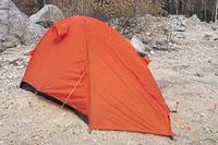 画像: ダブルウォールの自立型ドームテント