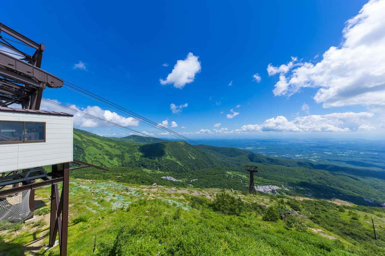 画像: 山の中腹までロープウェイが通っている山も多いです