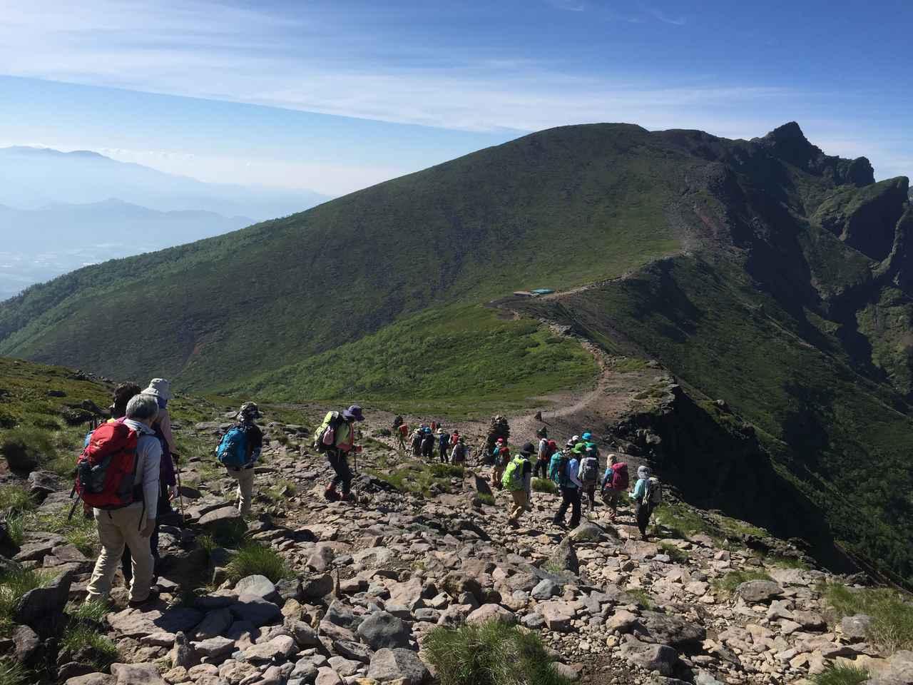 画像: 登山ツアーの様子