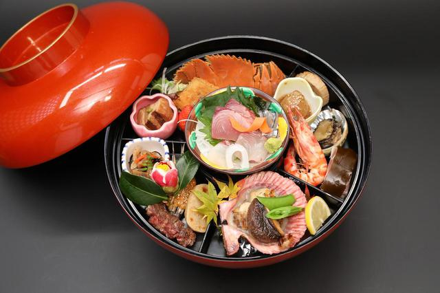 画像: 福江島の有名店、心誠さんの「びっくり弁当」の昼食(3日目)(イメージ)