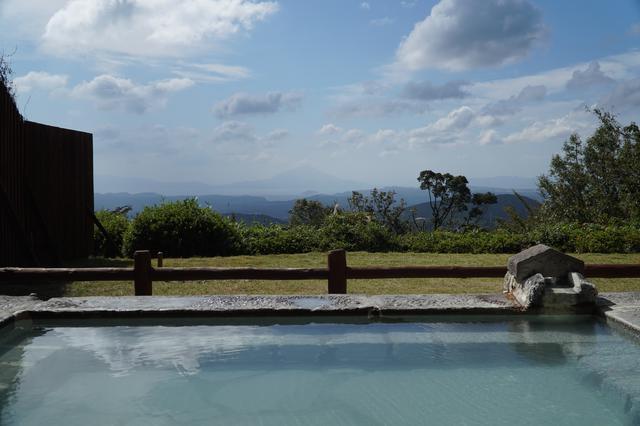 画像: 旅行人山荘の絶景露天風呂