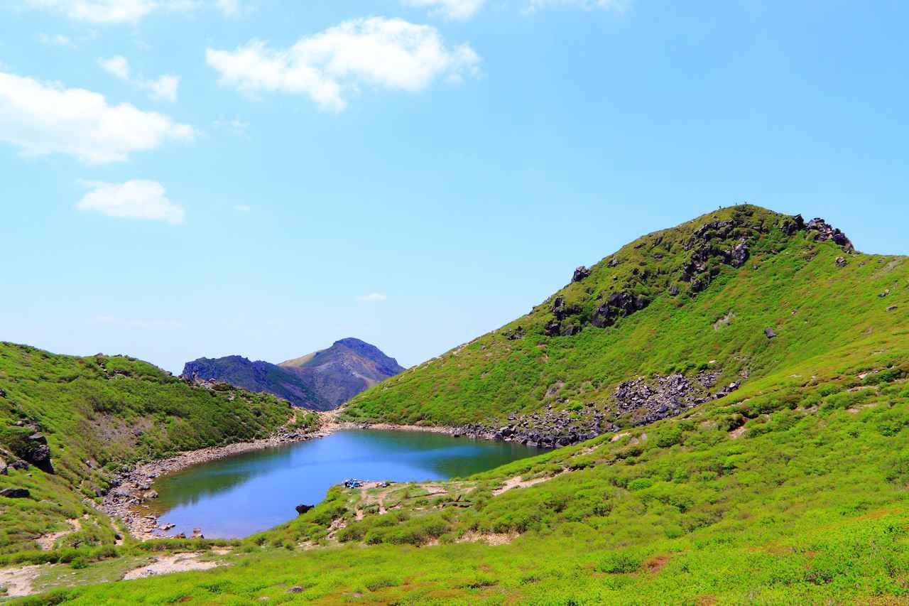 画像: 久住山と御池