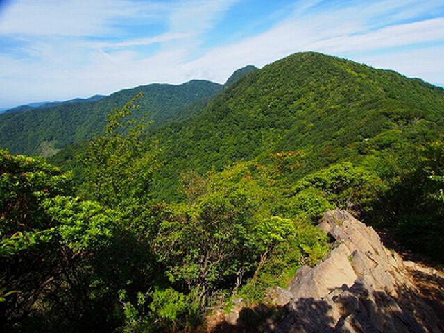 画像: 天城山・万ニ郎岳から万三郎岳方面