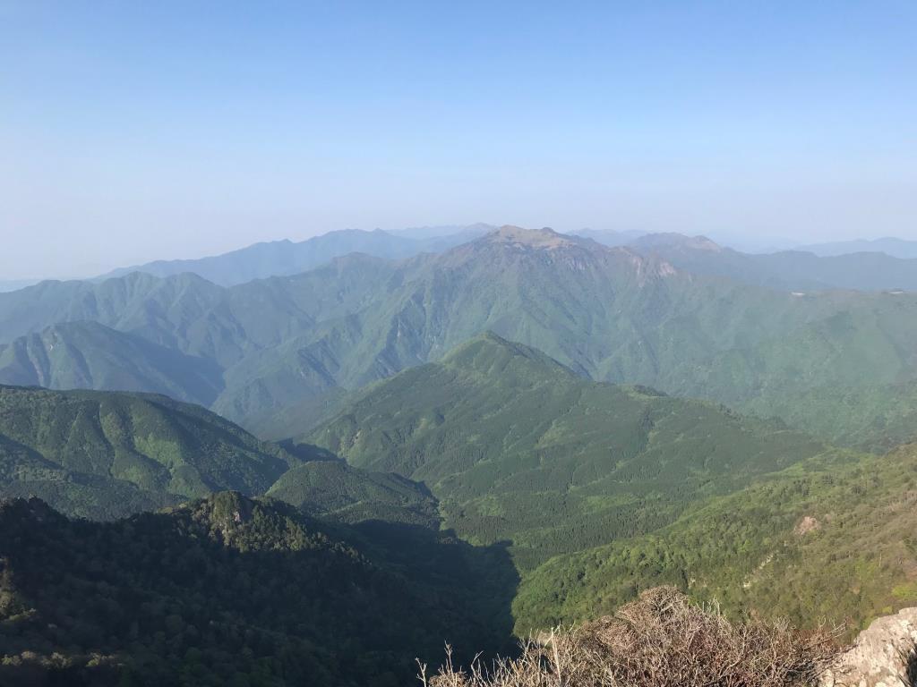 画像: 石鎚山からの眺望
