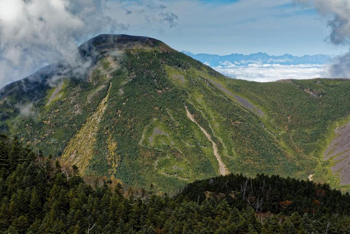 画像: 雄大な蓼科山