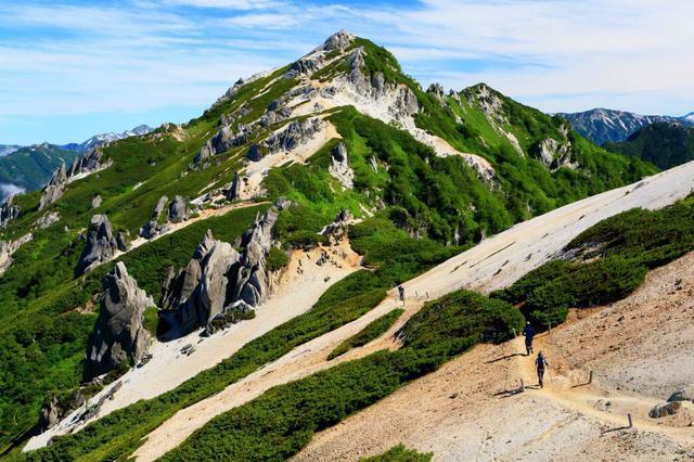 画像: 山容が美しい燕岳